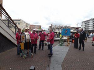Optreden Winkelcentrum Meent Papendrecht 20-06-2015 005