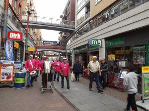 Optreden Winkelcentrum Meent Papendrecht 20-06-2015 007