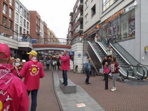Optreden Winkelcentrum Meent Papendrecht 20-06-2015 008