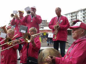 Optreden Winkelcentrum Meent Papendrecht 20-06-2015 019