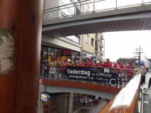 Optreden Winkelcentrum Meent Papendrecht 20-06-2015 023