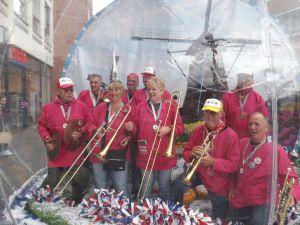 Optreden Winkelcentrum Meent Papendrecht 20-06-2015 029