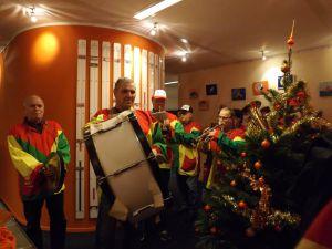 Verrassings Optreden Bij Orange Pearl 12-12-2014 010