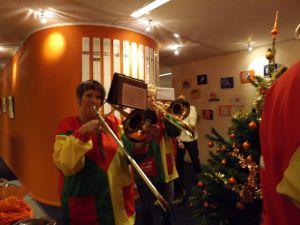 Verrassings Optreden Bij Orange Pearl 12-12-2014 017